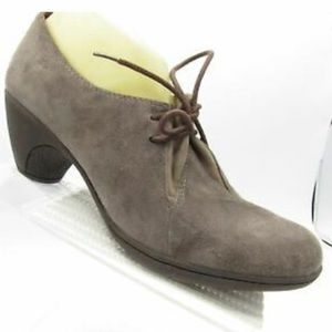 Mix Mooz suede lace up casual shoes. Sz 7